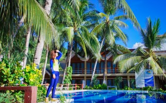 宿霧》歐斯陸鯨鯊共游旁推薦飯店Brumini Resort 乾淨便宜看鯨鯊只要五分鐘