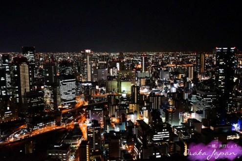 日本》大阪梅田空中庭園展望台 超刺激空中透明手扶梯 能伸手觸碰的百萬夜景