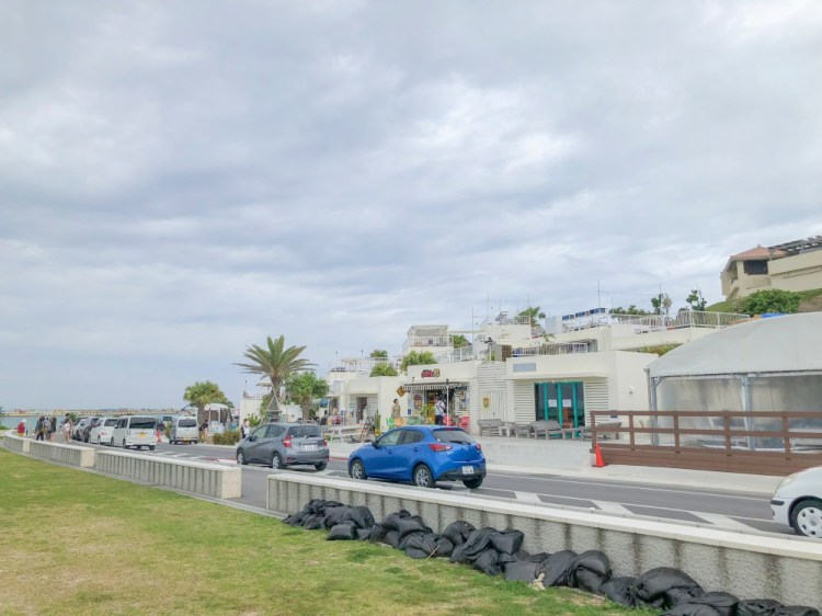 沖繩x旅行│瀨長島Umikaji Terrace複合型屋台村。亞洲小希臘風情、無料足湯體驗