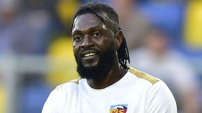 ¿Cómo llegó Emmanuel Adebayor a firmar en Olimpia?, Periódico San Juan