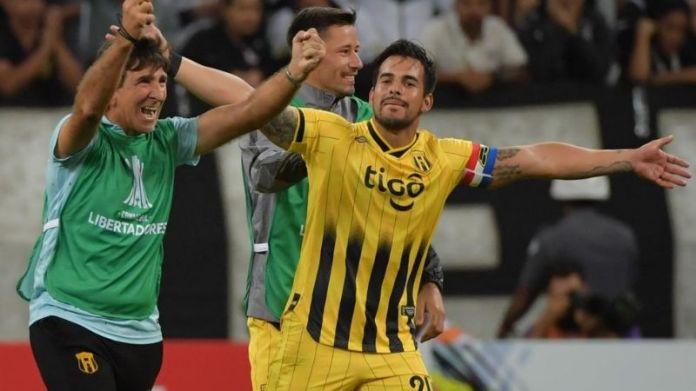 Corinthians ganó, pero Guaraní clasificó a la tercera fase de la Copa Libertadores, Periódico San Juan