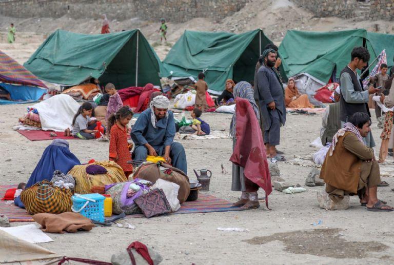 Turquía y Pakistán se preparan para recibir una oleada de migrantes de Afganistán   Minuto Neuquen
