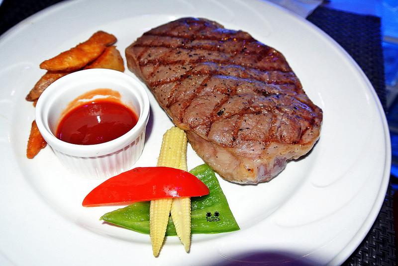 捷運士林站美食   北極光創意料理主題餐廳 生日慶生好HAPPY !!!