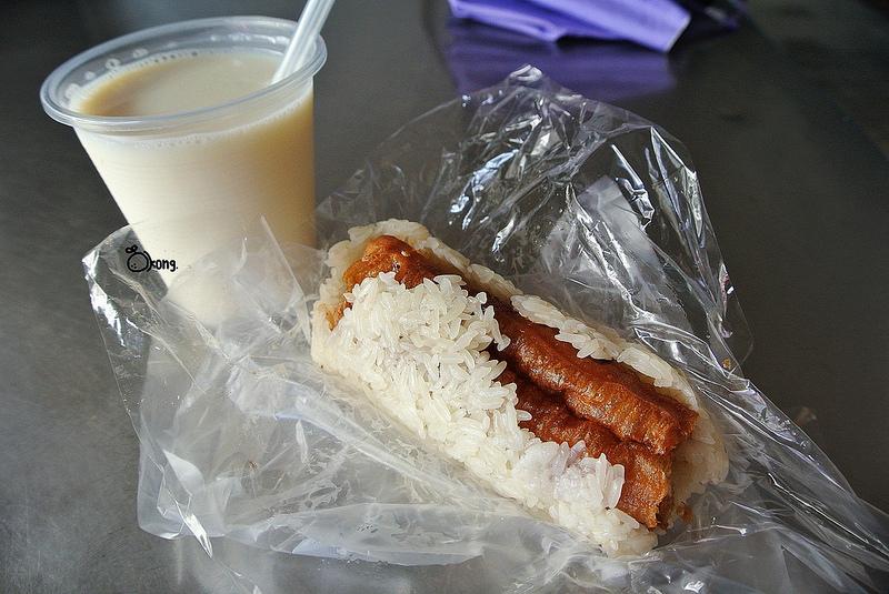 捷運圓山站美食 | 大龍街炸蛋餅 大龍夜市40年古早味 老牌蔥油餅