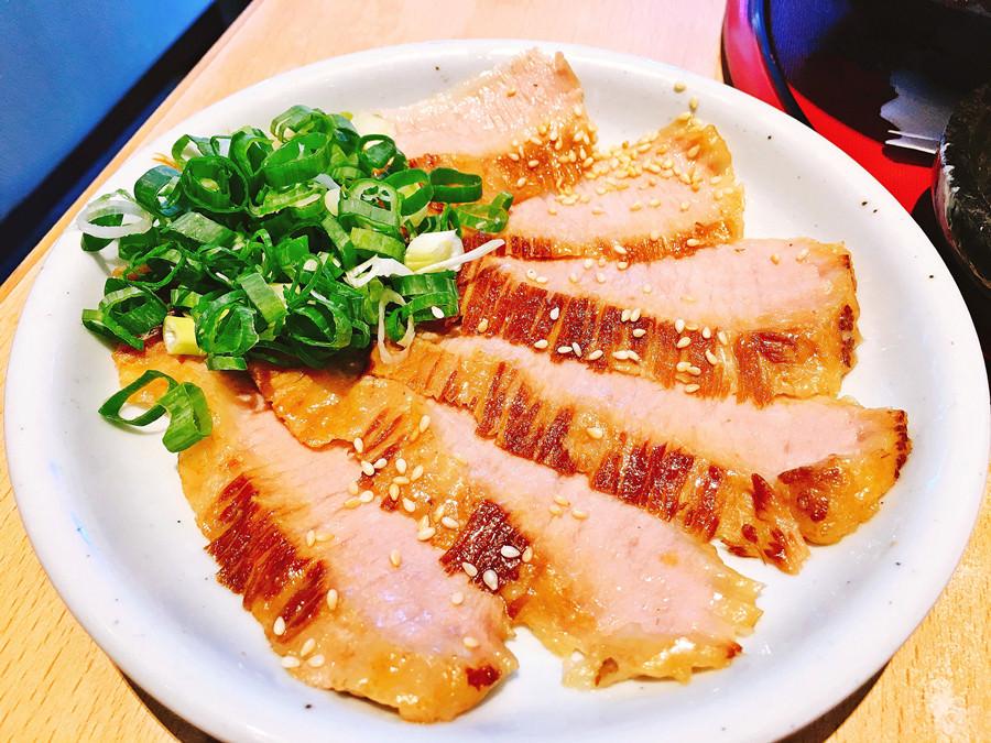 捷運芝山站美食   火頭山 Santouka Taiwan SOGO天母店 拉麵套餐 日本北海道直營的美味