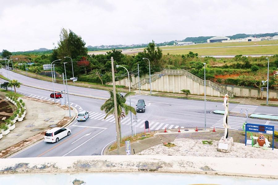 沖繩景點 嘉手納町屋良觀景台 道の駅 かでな 美軍戰鬥機 飛機起降好震撼 特產伴手禮商店 餐廳
