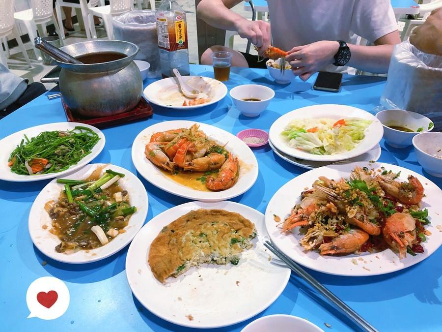 台中南區美食 蝦威夷休閒美食釣蝦館 創意活蝦料理 營業到凌晨4點 專屬用餐區吃飯用餐好方便 熱炒現炒 聚餐聚會