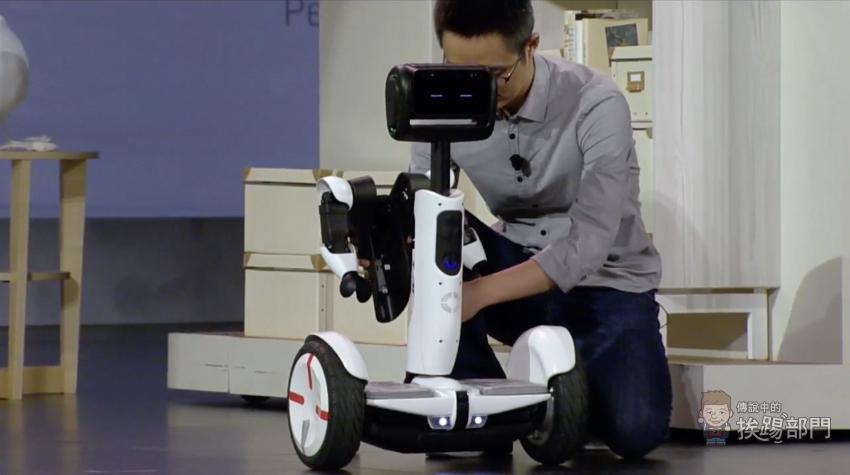 這不是小米九號平衡車嗎?小米&Ninebot 聯手打造 Sageway 變形機器人 CES 2016 正式亮相! - 傳說中的挨踢部門