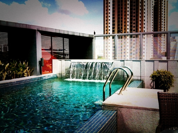 awesome tanning session at rebecca's wonderful rooftop pool!