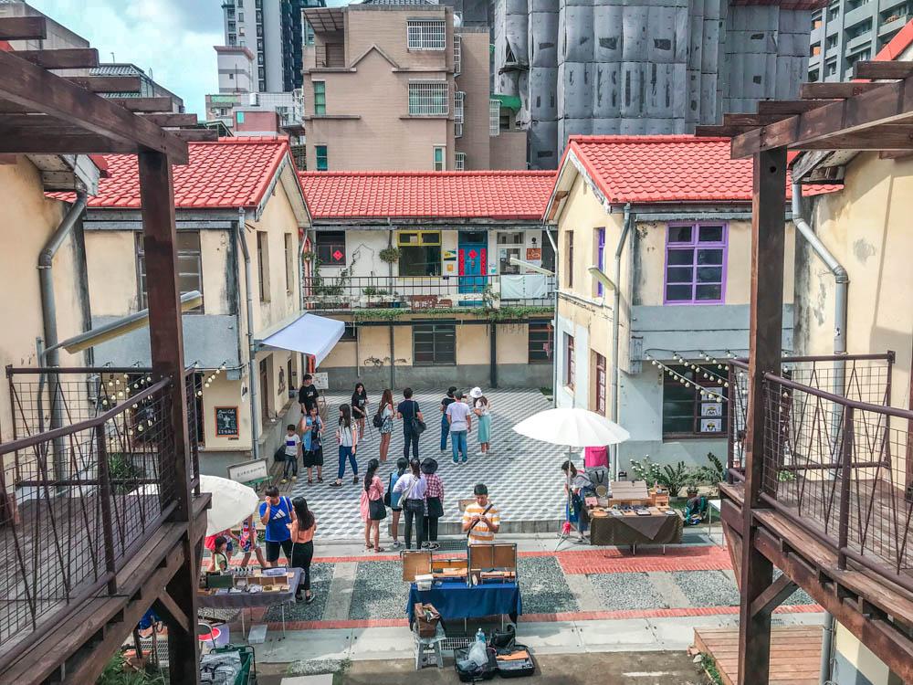 臺中景點一日遊|審計新村:可愛好拍好逛的文青市集。還有許多IG美食都在審計新村!