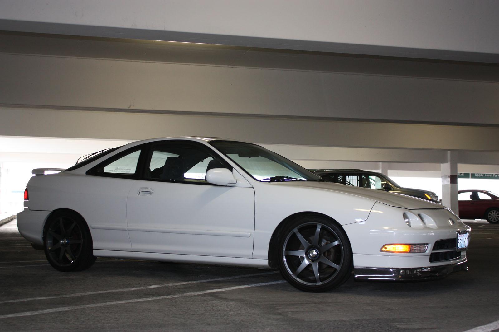White 1995 Acura Integra Coupe