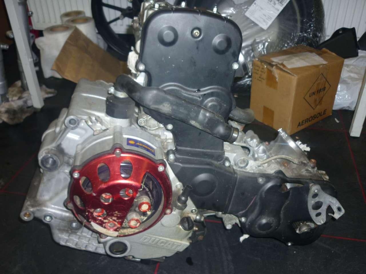 hight resolution of engine ducati 749 999