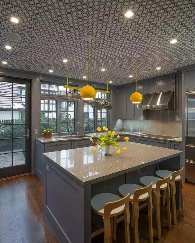 kitchen table storage hotel with hong kong 转帖 盘点经典开放式厨房设计款型 总有一款是你的爱 zlh840 博客园 将餐桌下面设计成嵌入式的柜子可以有效的增加厨房的存储空间