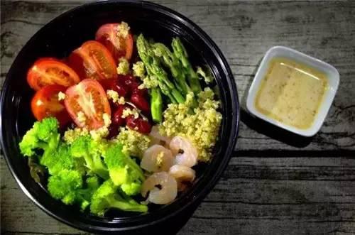這幾款減脂健身沙拉能讓你越吃越瘦!