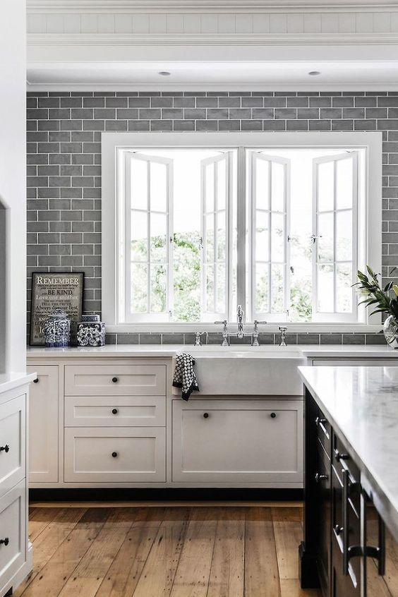 subway tiles in kitchen how to restore cabinets 厨房用了这个文化砖后 颜值爆表啦 灰色地铁砖贴在厨房的墙壁上