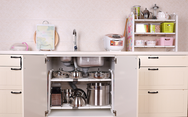 small kitchen sinks how to clean tiles walls 小厨房扩展秘技水槽区必用收纳术 小厨房水槽