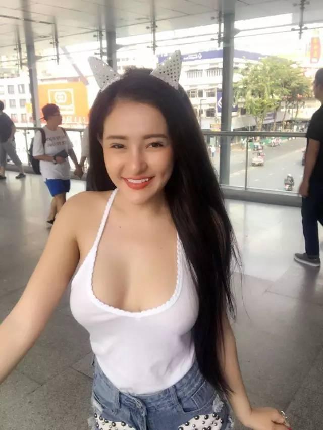 司機寶典|甜美又性感!越南胸狠妹子半球迷人