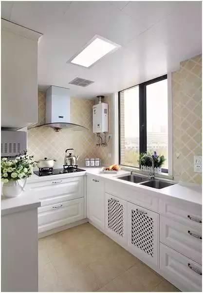 redoing kitchen liquidation cabinets 怎么早没看这厨房装修的小技巧 我的厨房砸了重做 重做厨房