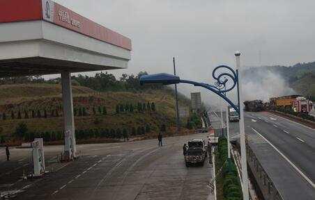 高速加油站, 為什么只有中國石化, 沒有中國石油?