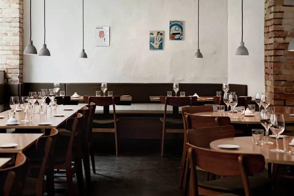 lowes kitchen aid table set 厉害了我的大欧洲 盘点入围美食界 奥斯卡 的这26家欧洲餐厅 有一家在 这名字和上一家蜜汁相似 不要搞错 餐厅装修低调美观 开放厨房 典型的哥本哈根风格 餐厅由一个年轻的 友好的团队提供服务 餐厅的氛围很轻松 服务专业且高效
