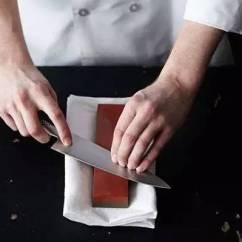 Utility Kitchen Knife Ninja Mega System Reviews 实用 菜刀变钝怎么办 这些小窍门让它更锋利 第4条小编咋没想到呢 磨刀时使菜刀与磨刀石呈3 5 角 角度越小 切菜时越省力 来回磨刀时 保持此角度基本不变