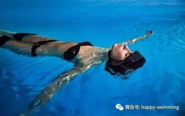 """成年人學習游泳的""""正確的呼吸""""方法和技術!"""