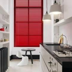 Best Kitchen Lighting Hood Ideas 人性化的厨房设计 一定要做好灯光照明 厨房里储存着各种刀具 又要常常开火 所以灯具选择安全最重要 最好是简单 方便的灯具开关 例如感应或者手扫的开关方式 由于灯具容易被油污 二氧化硫所污染 所以