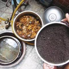 Kitchen Compost Container Outdoor Modular 厨房里产生的垃圾 夏季不用3个月就能腐熟的有机肥 之后就要适当添加水分 保持土壤介质微润 避免过于潮湿 微微湿润即可 之后就要将堆肥容器摆放在一个遮阴通风的地方 避免阳光暴晒和直射