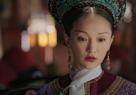 如懿傳:她含冤而去,被乾隆皇帝斥責二人不合體統,但是兩人關係並不親近,卻擁有皇貴妃的名分,卻是乾隆唯一名副其實的皇貴妃! - 每日頭條