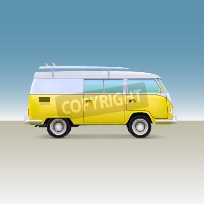 Klassische gelb minivan mit surfbrett weinlesebus