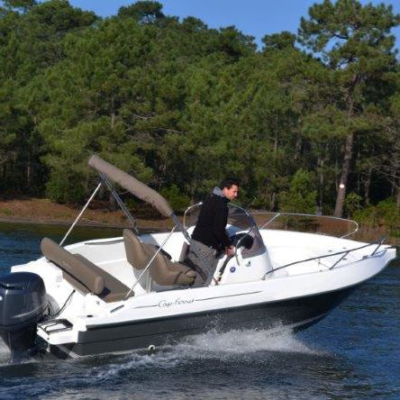 outboard day cruiser open