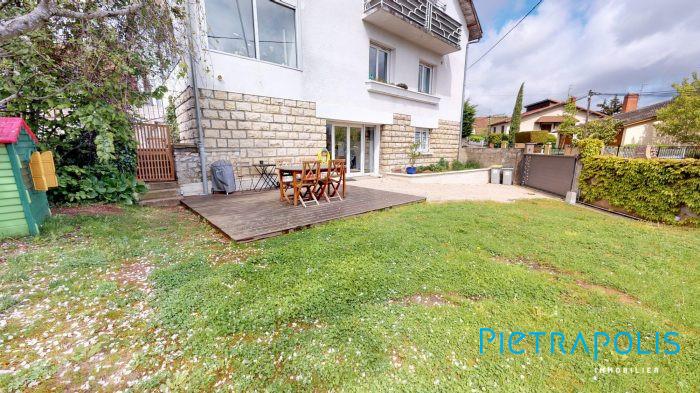 Spacieux Duplex  Maison et son jardin