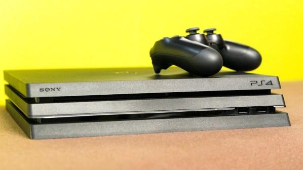 Die PS4 Pro kostet 400 Euro. Habt ihr eine alte PS4, könnt ihr sie mit einem Aufpreis von 100 Euro bei Gamestop gegen die PS4 Pro eintauschen.