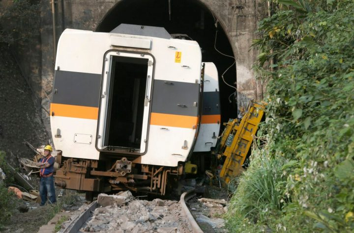 Taiwn train accident
