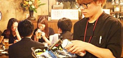 日本、宮城|仙台居酒屋 餃子番長 炎のもつ家 甚助