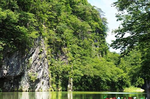 日本、岩手|猊鼻溪輕舟遊船 乘一葉輕舟暢遊日本百景