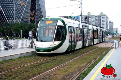 高雄輕軌|台灣第一條輕軌.搭配捷運玩高雄最方便