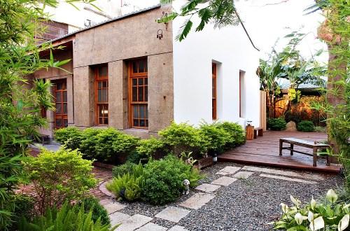 巷弄X台南|住宿在百年的文青老宅.一品鳳凰樹下的悠閒