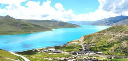 中國、西藏|羊卓雍措聖湖的夢幻碧藍.隨著攀上甘巴拉山而感動