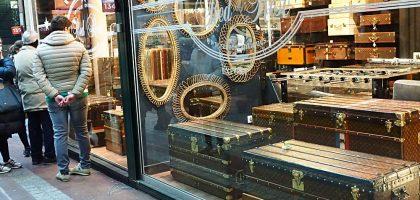巴黎古董市集、跳蚤市場|從復古LV、鐵奶罩到放陰……的都有賣