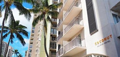 夏威夷檀香山住宿飯店|椰風威基基酒店 (Coconut Waikiki Hotel).提供微波爐及24小時的飲料的超值飯店