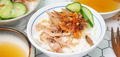 老石滴雞精竟然還送雞肉和雞油!簡單料理變成雞肉飯和麻油麵線套餐