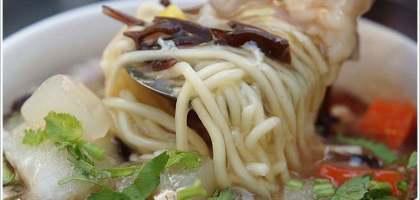 【台南 中西】簡單美味的阿婆魯麵