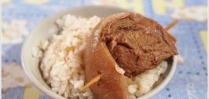 【彰化】彰化人的宵夜還是爌肉飯阿~~東興爌肉飯。
