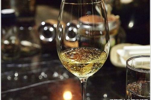 【推薦】女孩一喝就會愛上的玫瑰氣泡白葡萄酒 Petalo Vino dell Amore