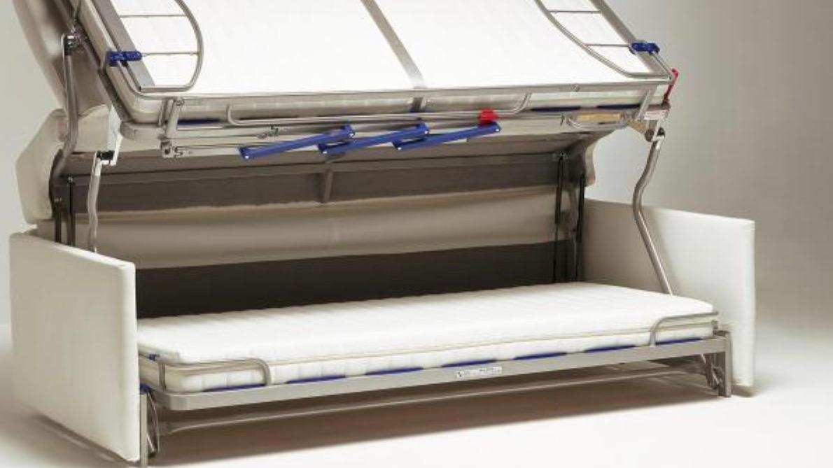 insolite un canape qui se transforme en lit mezzanine