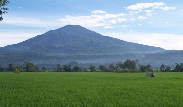 Gunung Ceremai, Jawa Barat (Foto: kancrabodas.wordpress)