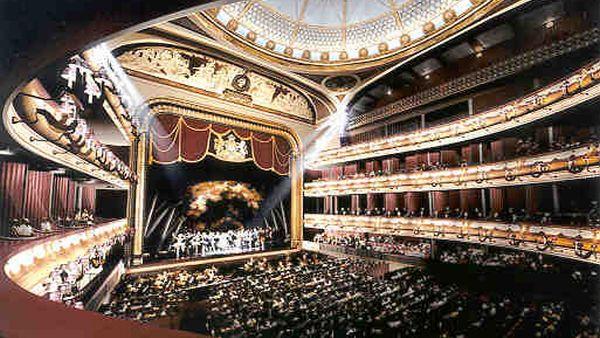 Royal Opera House, Inggris (Foto: ctdrives)