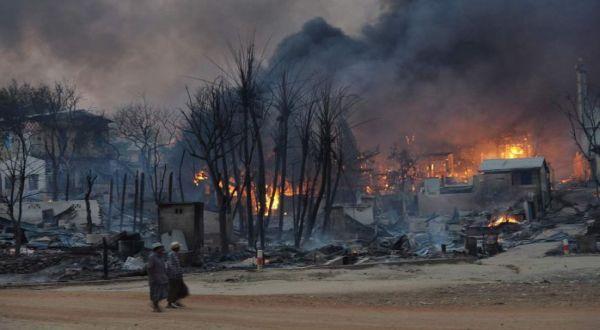 Sisa-sisa kerusuhan di Myanmar Maret lalu (Foto: AFP)