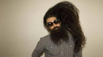 Pria AS yang menjual rambutnya Rp8,8 juta (Foto: Metro)